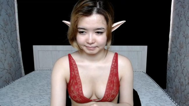 Small_Mollywow Is A Late Night Elvish Surprise