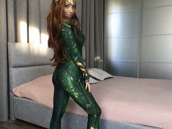 QueenOfTease_ Transforms Into The Queen Of Atlantis