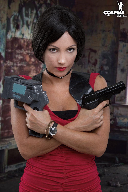 Cosplay Erotica's Devorah Channels Her Inner Spy As Ada Wong