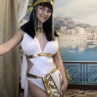 QueenOfTease_ Walks Like An Egyptian