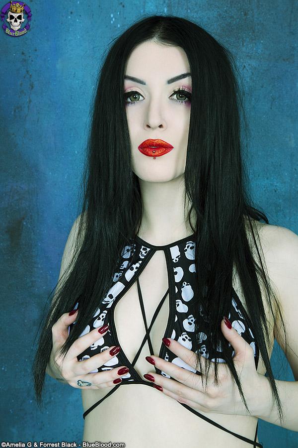 GothicSluts: Twiggy's Gothic Masterpiece