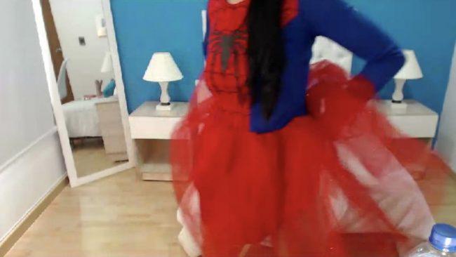 Dakota_Rogers Swings Around As Spider-Woman
