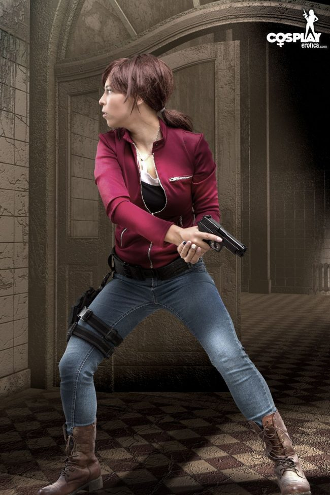 CosplayErotica: Zoey Is A Battle-Ready Zombie Hunter